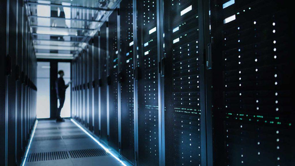 Los que se dedican al diseño de páginas web o los que están a punto de emprender un negocio se preocupan en contratar un servicio de hosting.